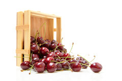 small-crate-cherries-isolate-white-background-32481404